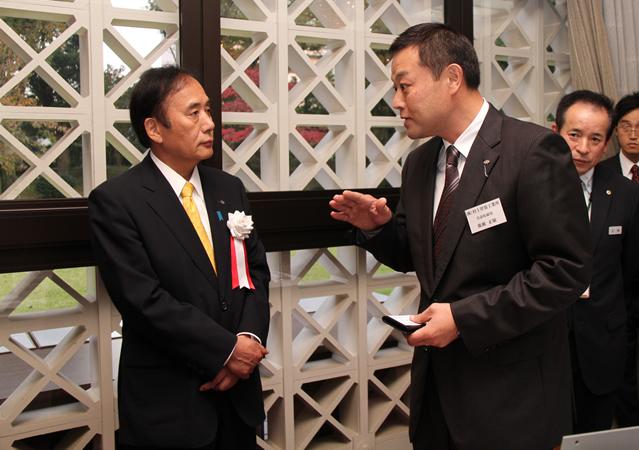 上田知事と